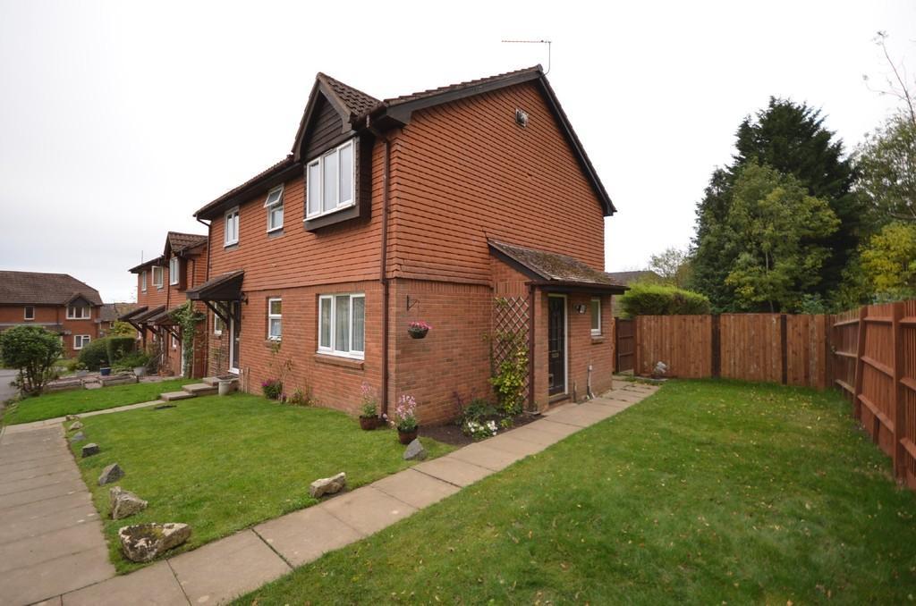 1 Bedroom End Of Terrace House for sale in St Peter's Gardens, Wrecclesham, Farnham, Surrey
