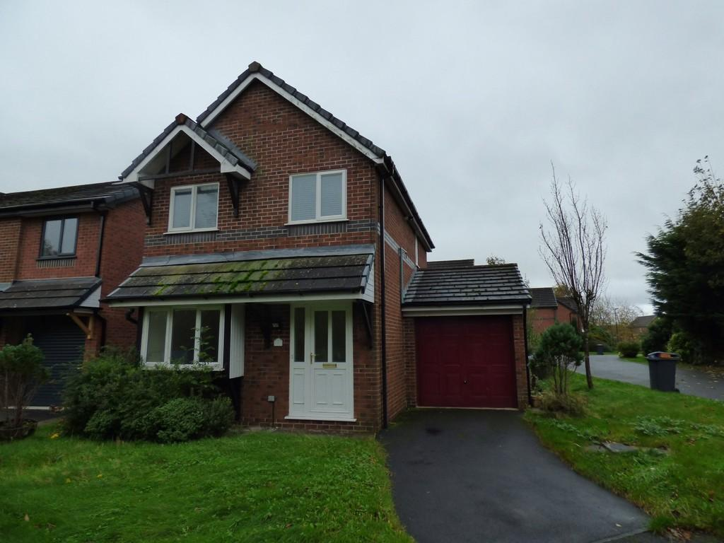 3 Bedrooms Detached House for sale in Clover Drive, Freckleton