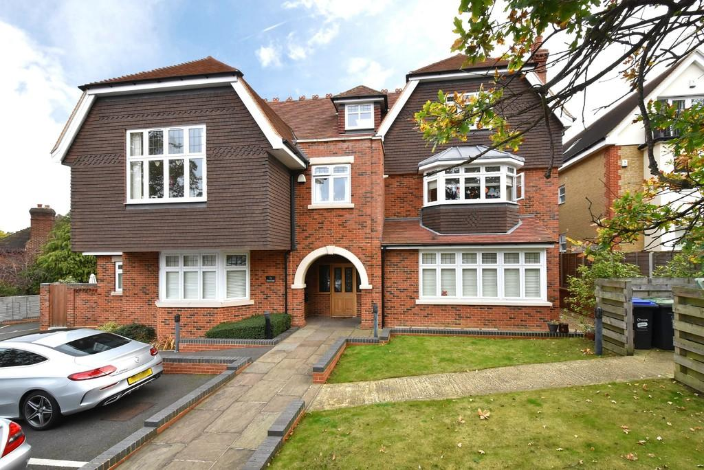 3 Bedrooms Ground Flat for sale in Church Road, Shortlands