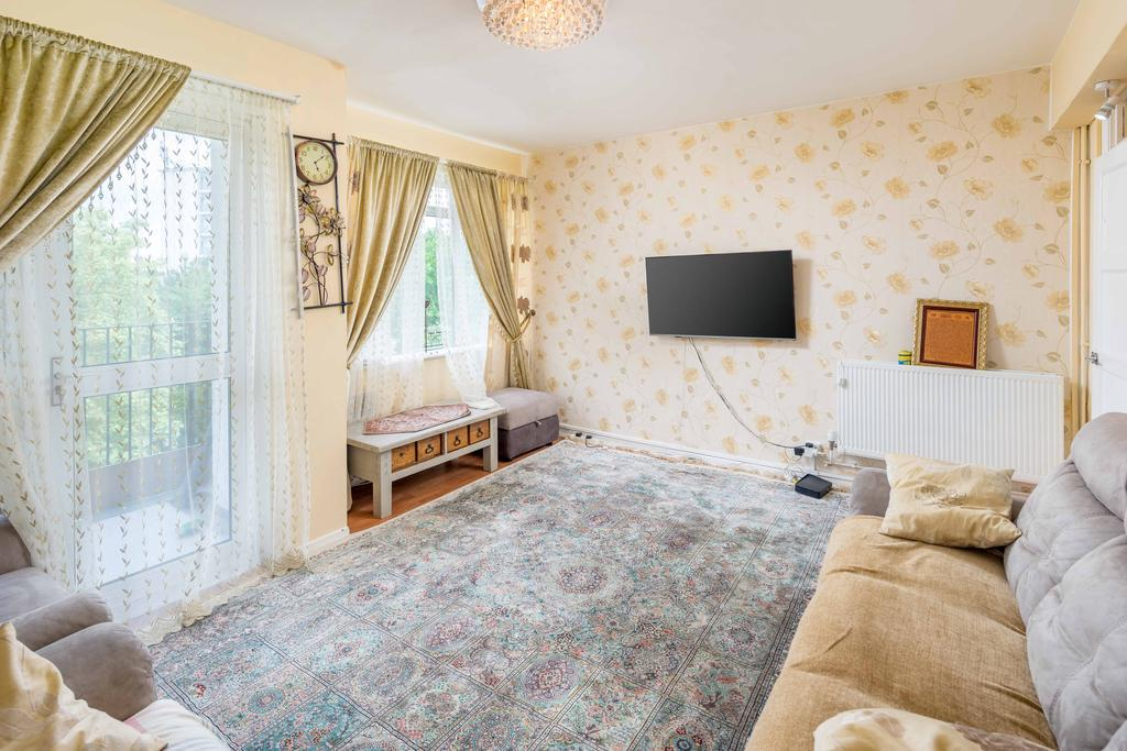 3 Bedrooms Flat for sale in Templar House, Kilburn