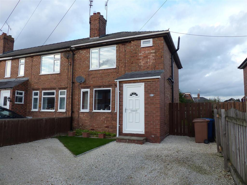 3 Bedrooms Terraced House for sale in Kings Square, Beverley