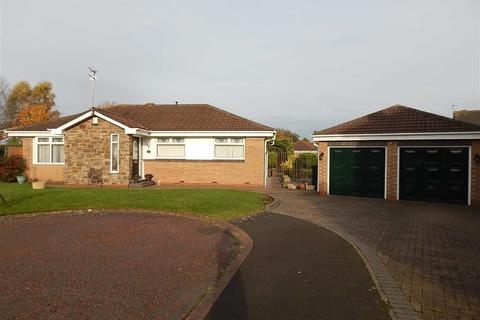 3 bedroom detached bungalow for sale - Holland Park, Parklands, Wallsend, NE28