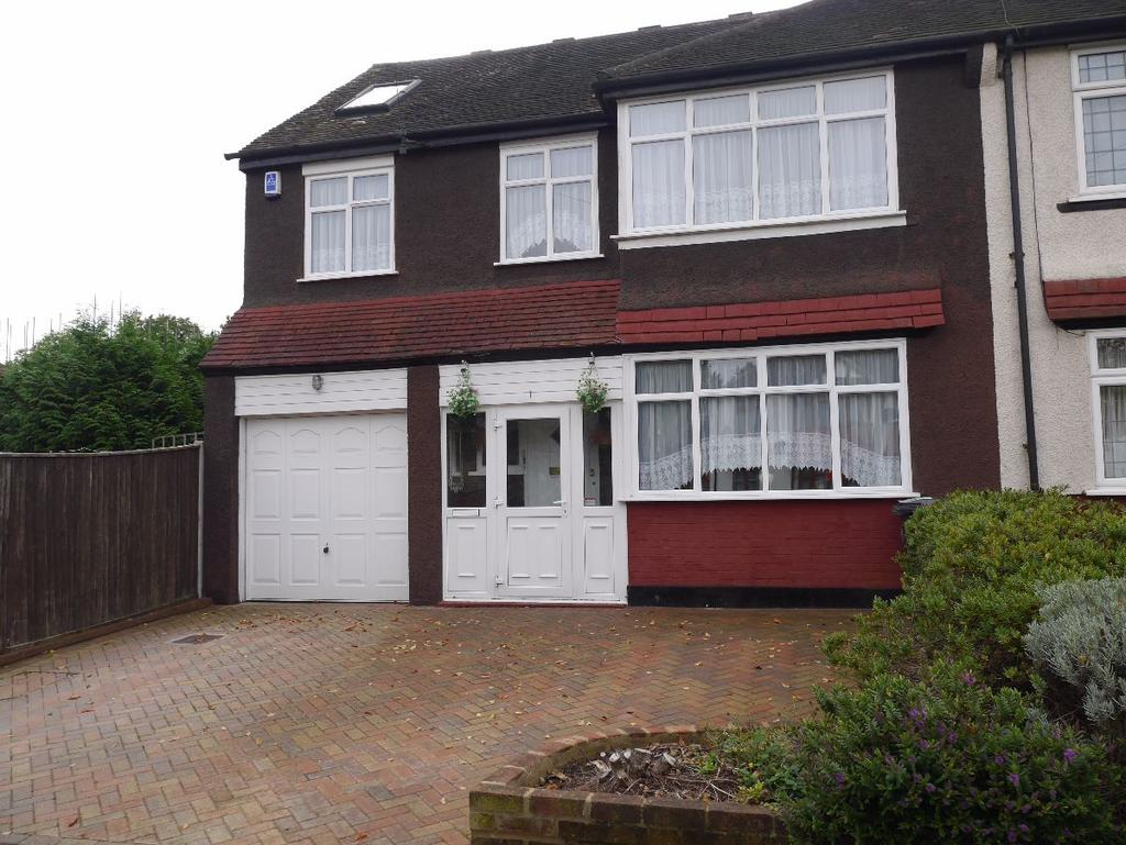 6 Bedrooms Semi Detached House for sale in South Side of Shirley