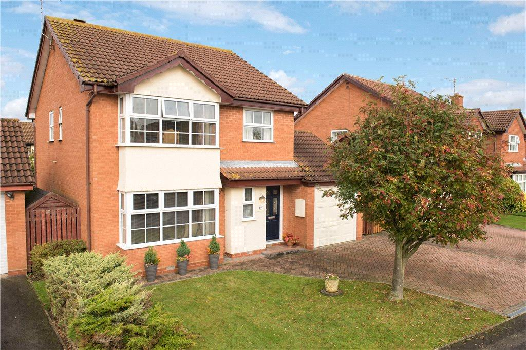 4 Bedrooms Detached House for sale in Patrick Way, Aylesbury, Buckinghamshire