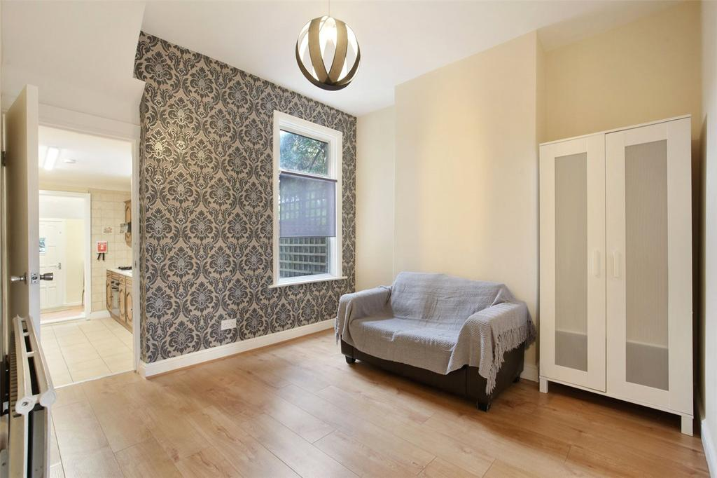 3 Bedrooms Semi Detached House for sale in Maryland Square, London, E15
