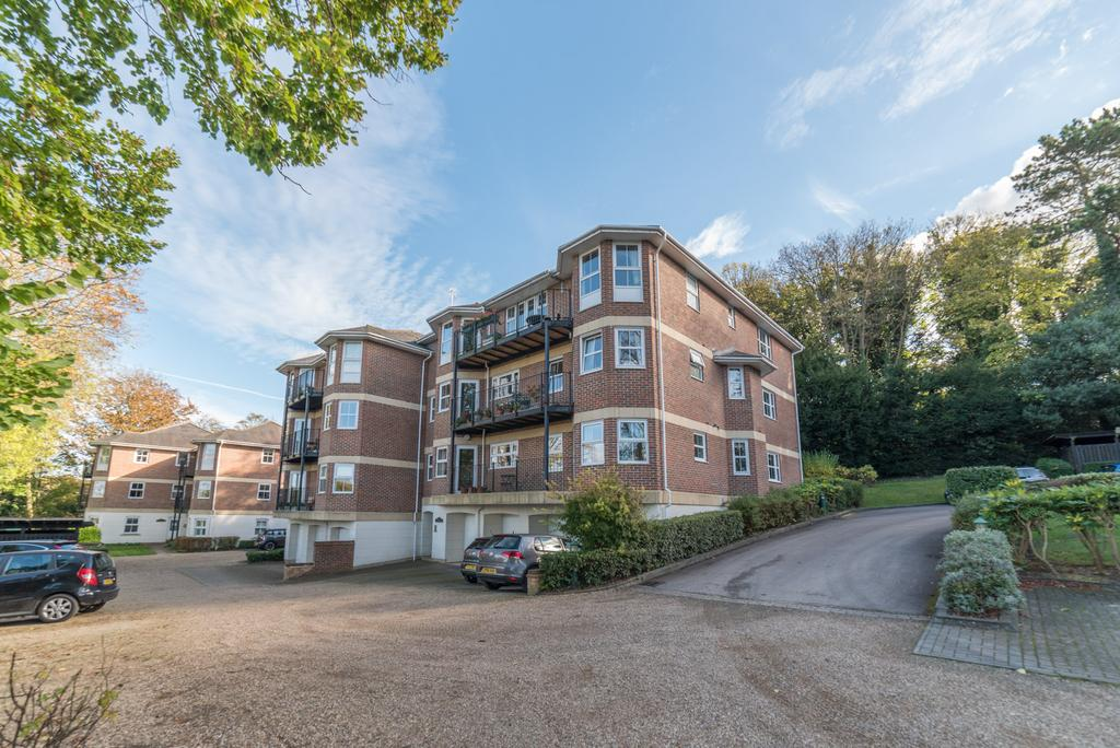 2 Bedrooms Apartment Flat for sale in Davis House, Chesham Road, Berkhamsted HP4