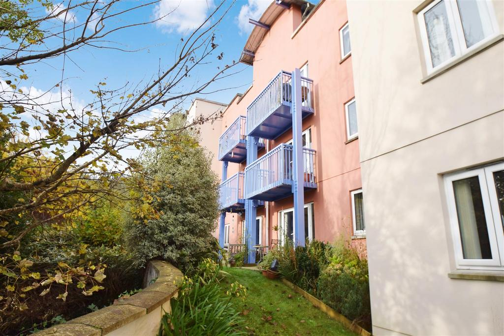 2 Bedrooms Apartment Flat for sale in Browns Hill, Penryn