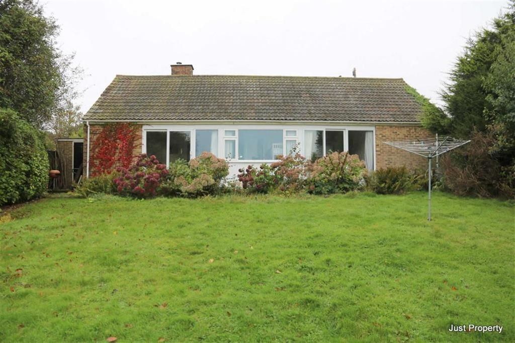 2 Bedrooms Detached Bungalow for sale in Gorsethorn Way, Fairlight