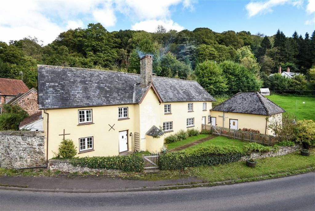 4 Bedrooms Detached House for sale in Cove, Tiverton, Devon, EX16