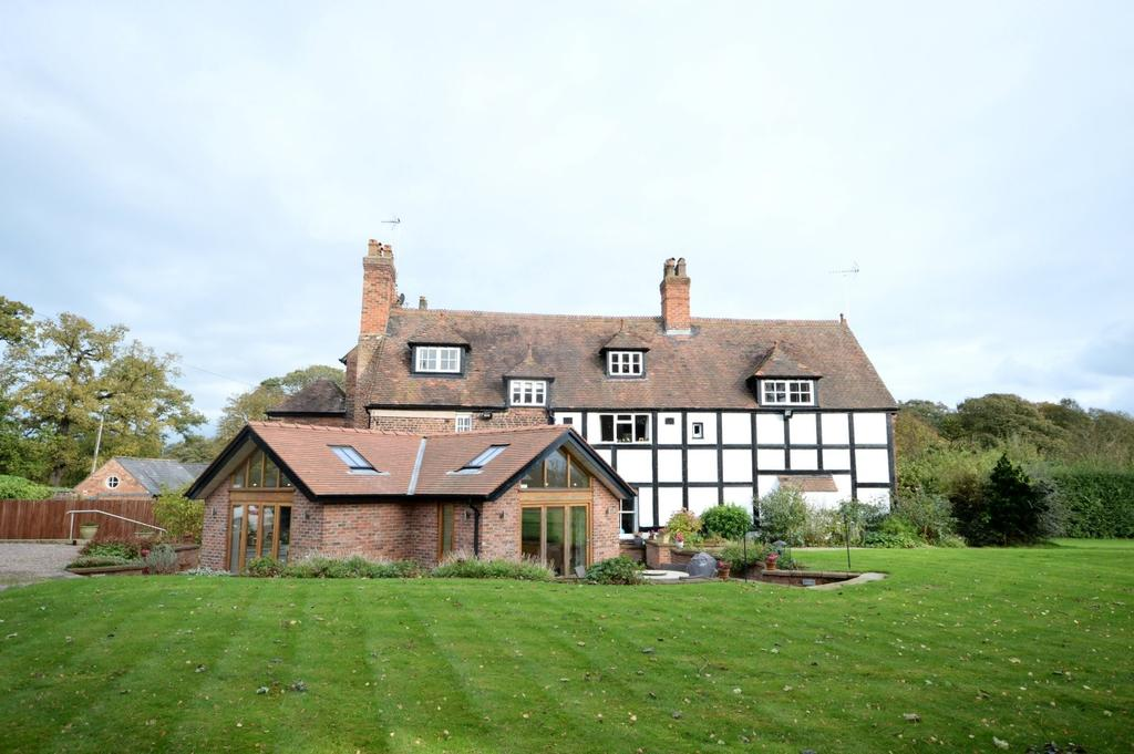 5 Bedrooms Semi Detached House for sale in Lodge Lane, Dutton, Warrington