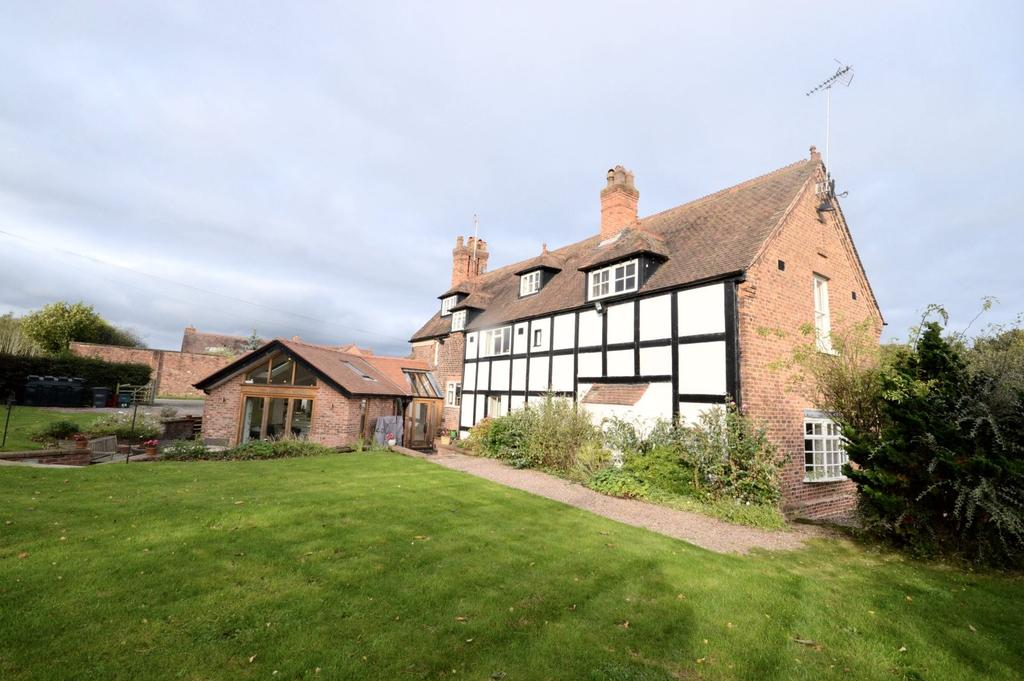 5 Bedrooms Detached House for sale in Lodge Lane, Dutton, Warrington
