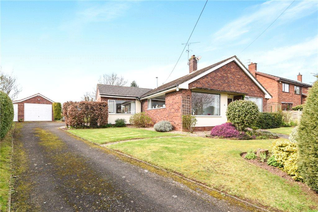 3 Bedrooms Detached Bungalow for sale in Wadborough Road, Littleworth, Worcester, Worcestershire, WR5