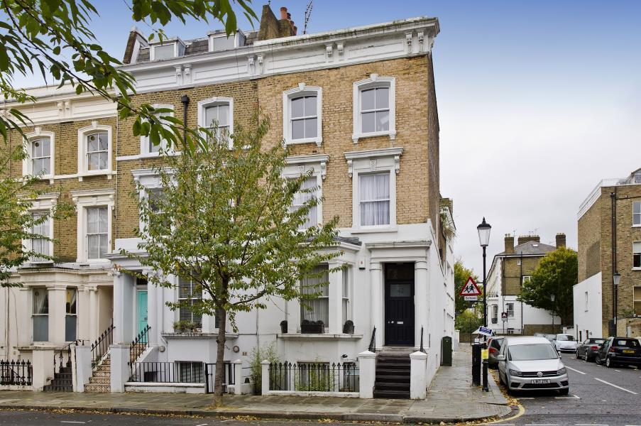 2 Bedrooms Flat for sale in Chesterton Road, North Kensington W10
