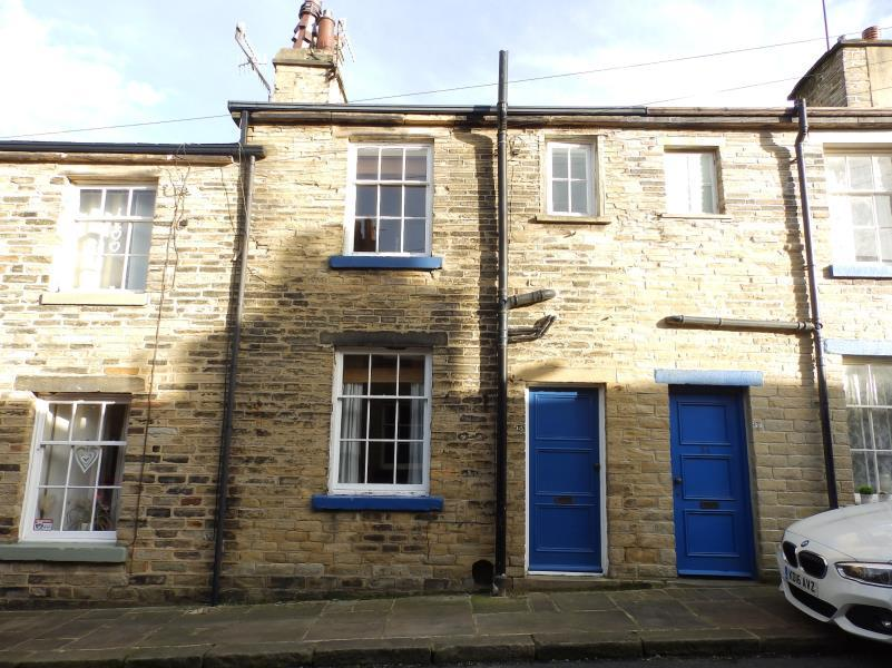 2 Bedrooms Terraced House for sale in HELEN STREET, SALTAIRE, BD18 4PH