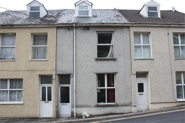 3 Bedrooms Terraced House for sale in Comercial Street, Abergwynfi, Port Talbot. SA13 3YL