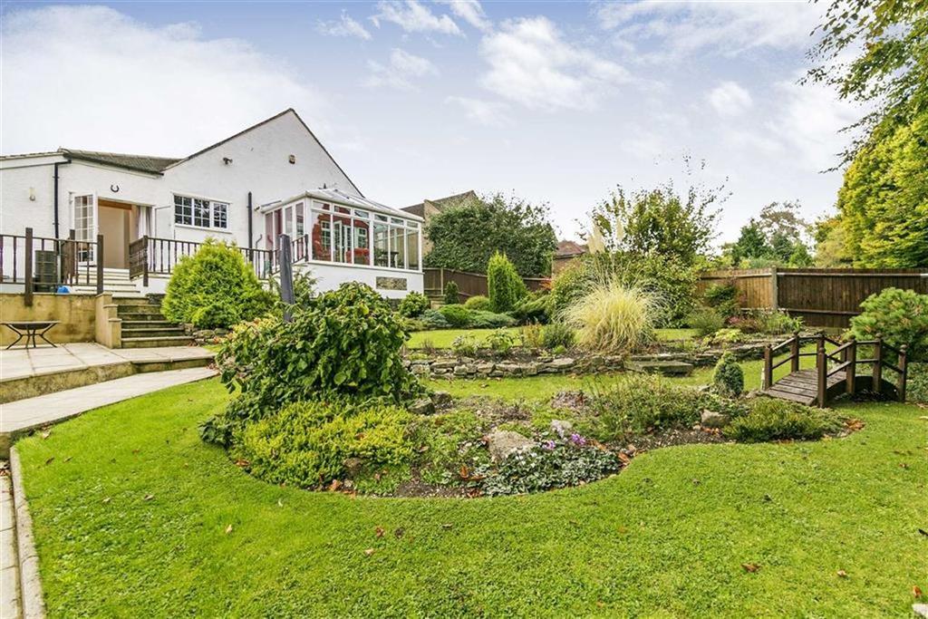 4 Bedrooms Detached House for sale in Upper Pines, Woodmansterne, Surrey