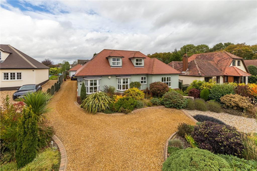 4 Bedrooms Detached House for sale in Raffin Green Lane, Datchworth, Knebworth, Hertfordshire
