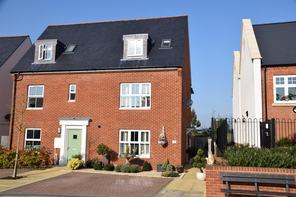 3 Bedrooms Semi Detached House for sale in CATISFIELD
