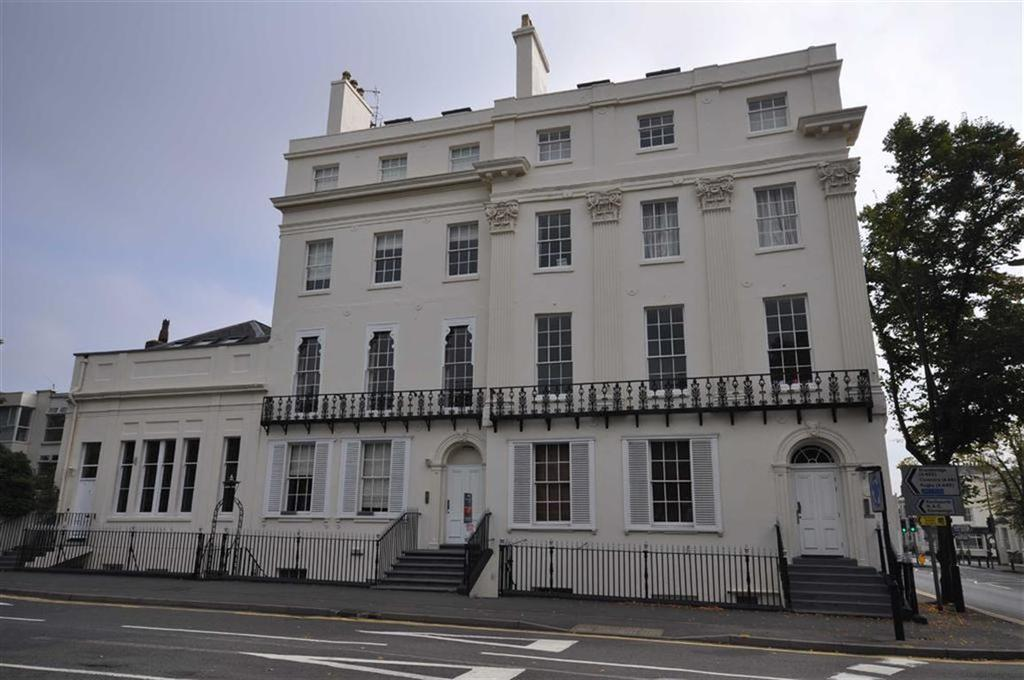 2 Bedrooms Apartment Flat for sale in The Townhouse, 2 Kenilworth Road, Leamington Spa