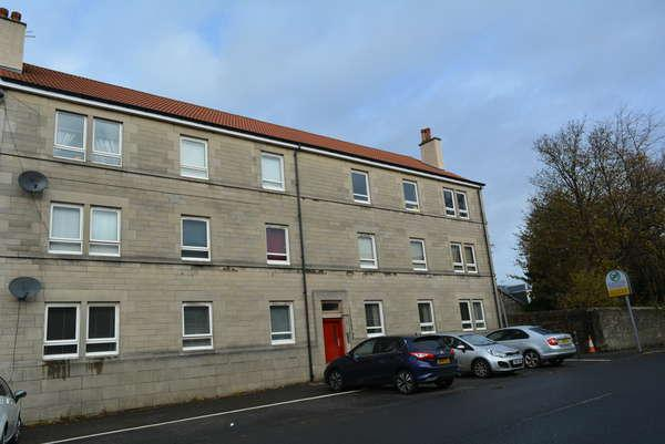 3 Bedrooms Flat for sale in 32A Graham Street, Johnstone, PA5 8QY