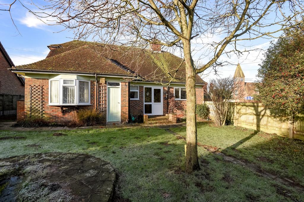 3 Bedrooms Detached Bungalow for sale in Church Road, Scaynes Hill, RH17