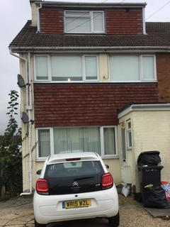 Studio to rent - St Johns Road, CM2 9RD