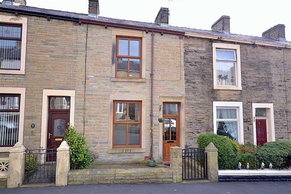 3 Bedrooms Terraced House for sale in Maple Street, Great Harwood, BB6