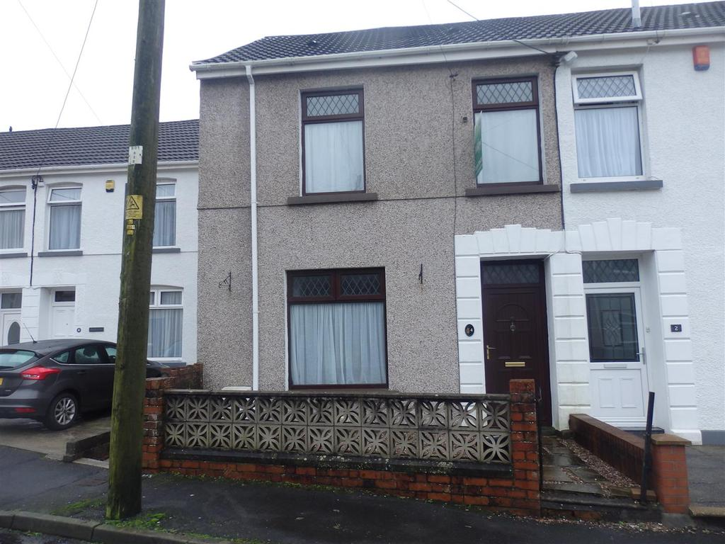3 Bedrooms Semi Detached House for sale in Stepney Road, Pwll, Llanelli