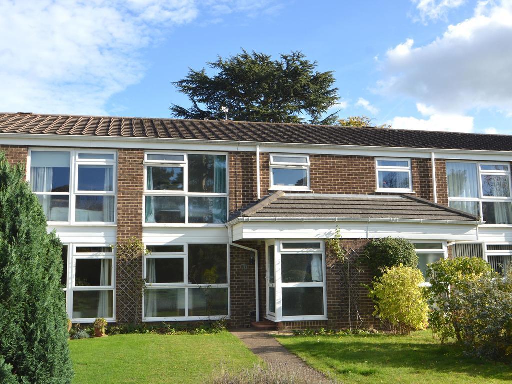 3 Bedrooms Terraced House for sale in Netherby Park, Weybridge KT13
