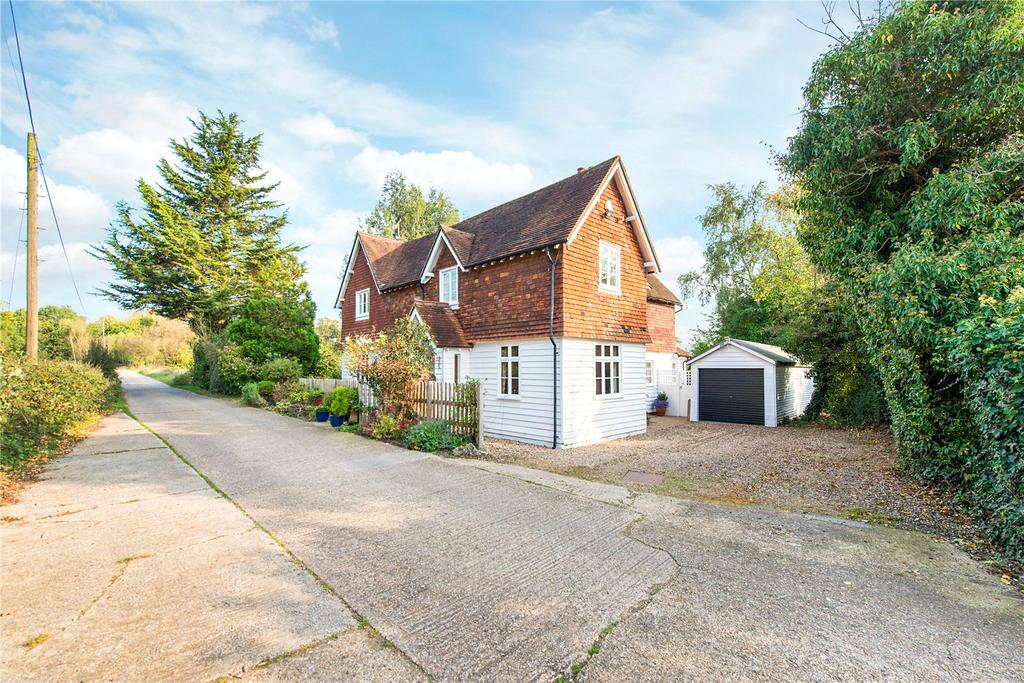 5 Bedrooms Detached House for sale in Woodhall Road, Pinner, Middlesex, HA5