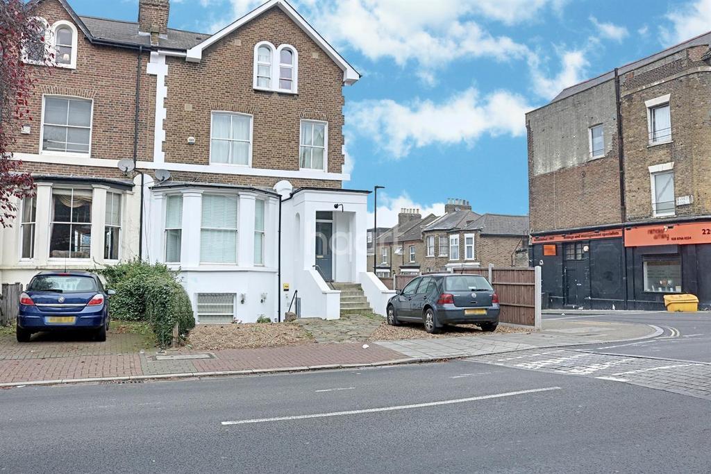 2 Bedrooms Flat for sale in Gypsy Road, London, SE19