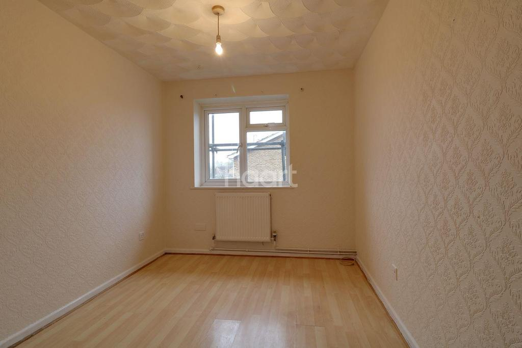 2 Bedrooms Flat for sale in Leigh-on-sea