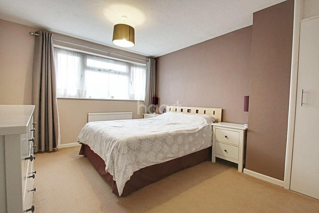 2 Bedrooms Terraced House for sale in Oak Fall, Witham, CM8