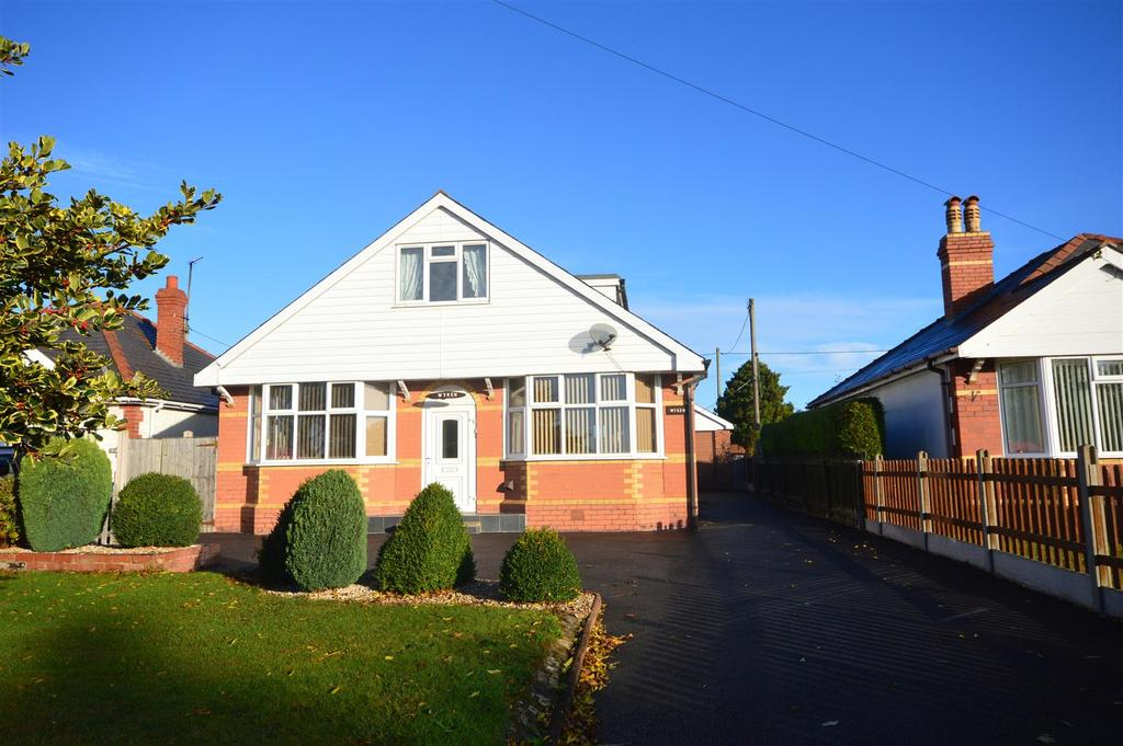 4 Bedrooms Detached Bungalow for sale in Roman Road, Bobblestock, Hereford
