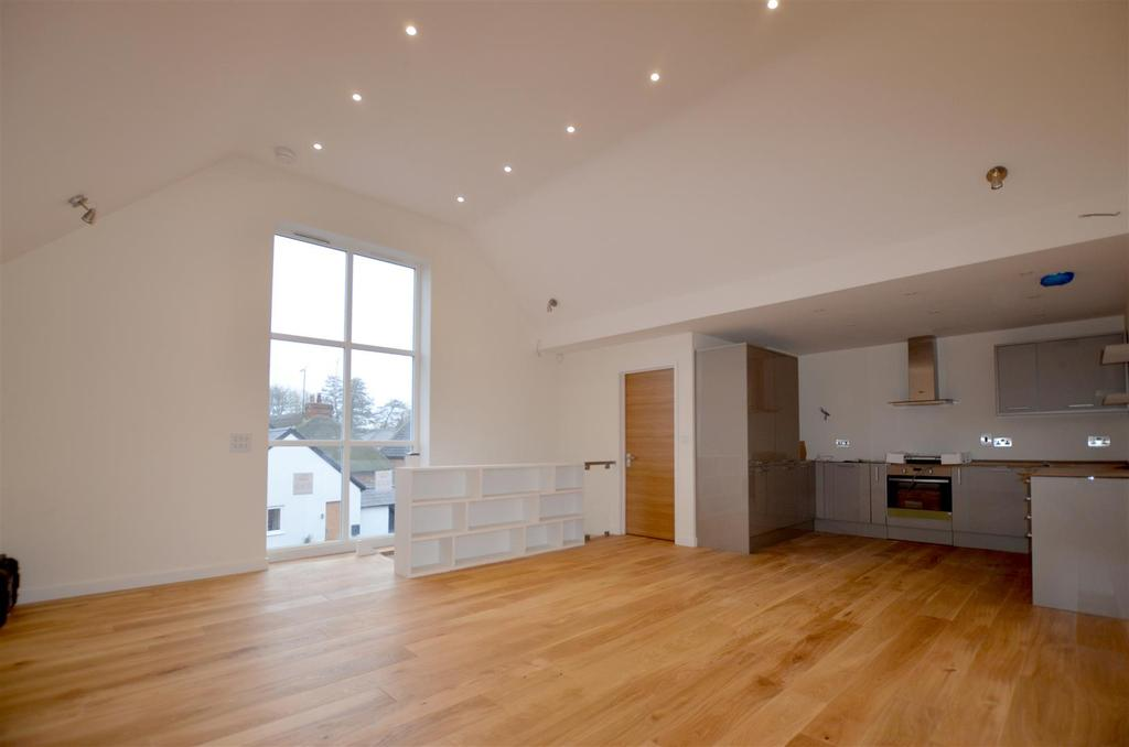 3 Bedrooms End Of Terrace House for sale in 10 Greyhound Mews, Pewsey