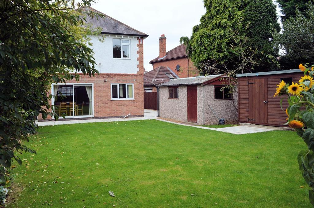 5 Bedrooms Detached House for sale in Carisbrooke Road, Leicester