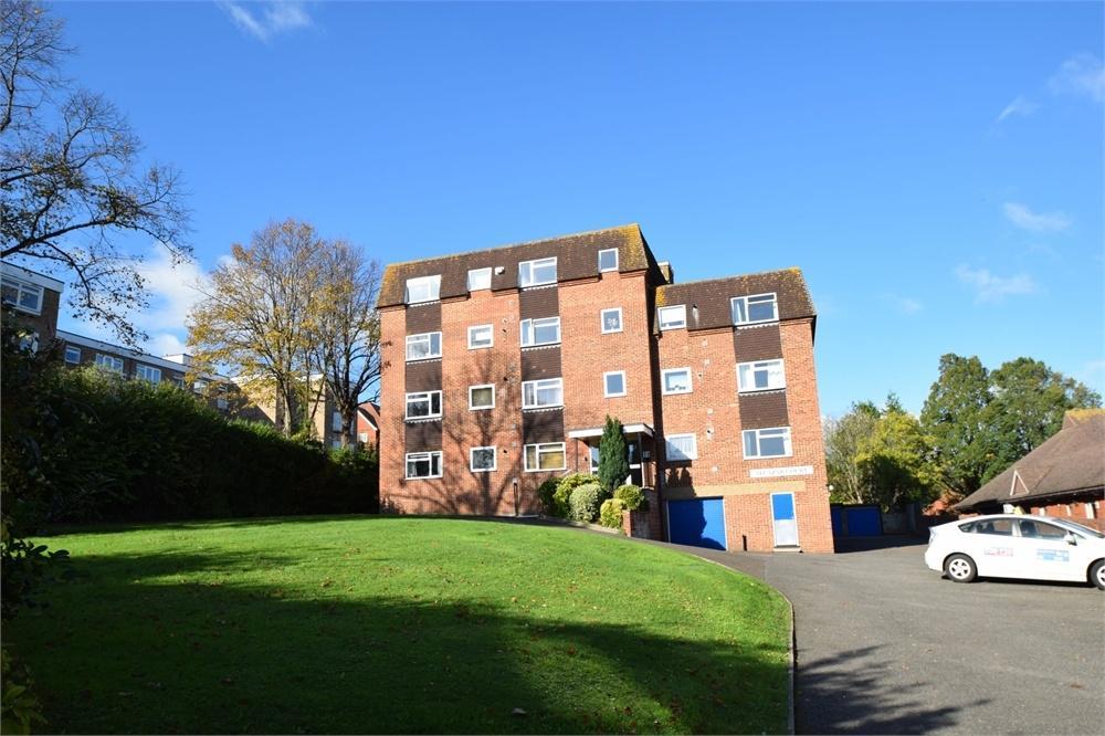 2 Bedrooms Flat for sale in Arundel Road, Upperton, East Sussex