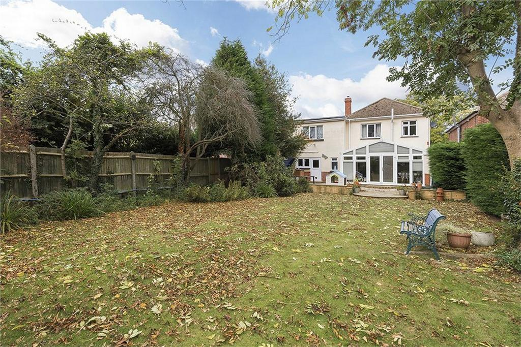 5 Bedrooms Detached House for sale in Durham Road, Wigmore, Kent