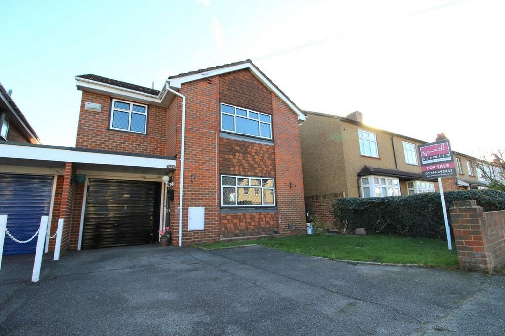 4 Bedrooms Detached House for sale in Warwick Road, Ashford, Surrey