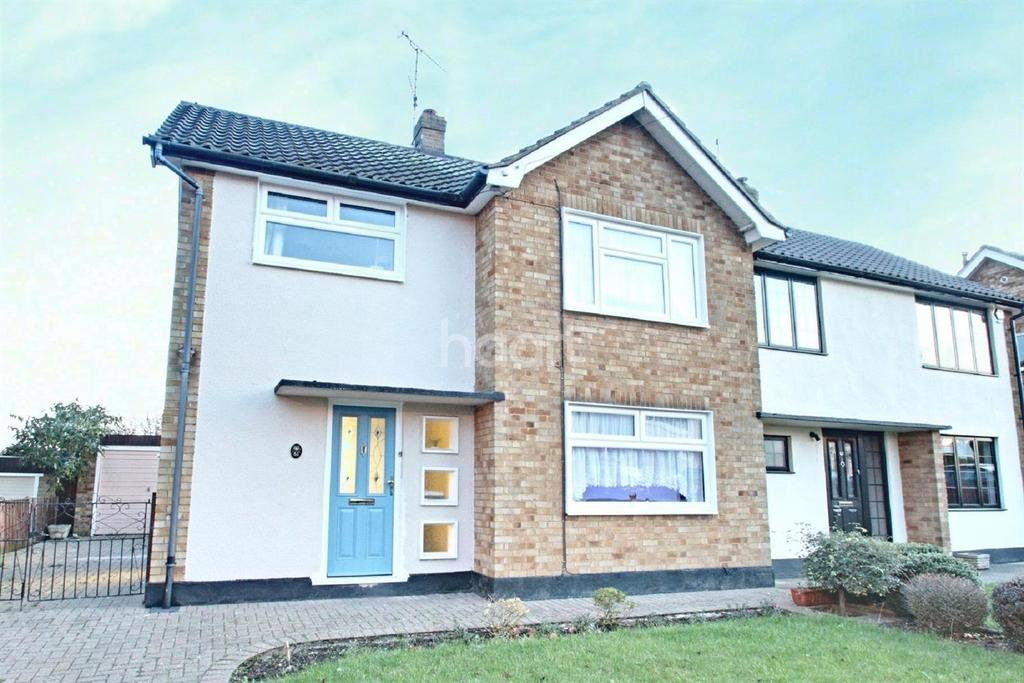 3 Bedrooms Semi Detached House for sale in Armond Road, Witham, CM8