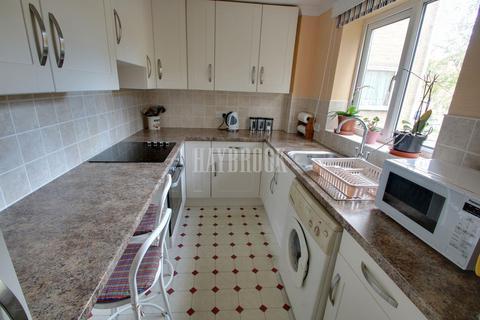 2 bedroom flat for sale - Park Grange Croft, Norfolk Park, S2