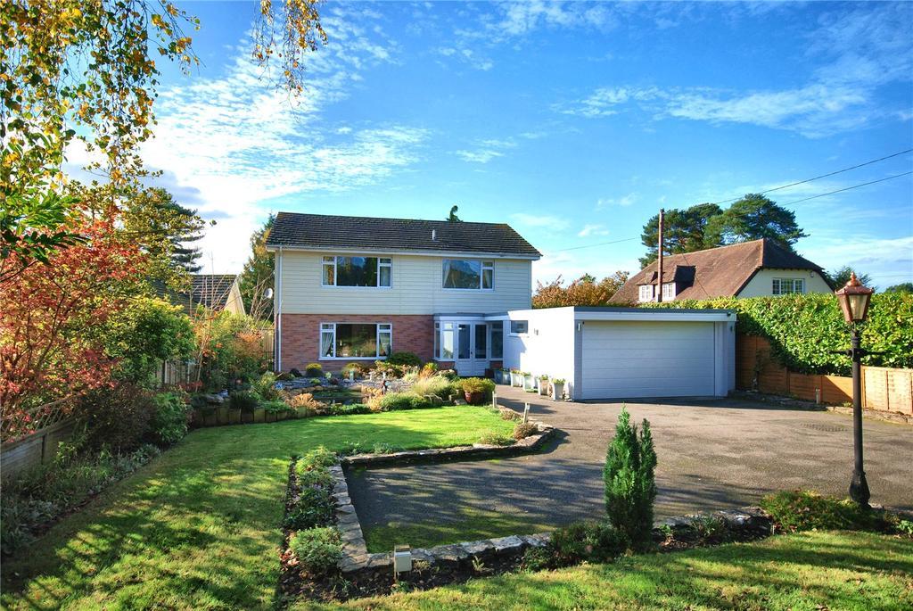 4 Bedrooms Detached House for sale in Woolsbridge Road, Ashley Heath, Ringwood, BH24