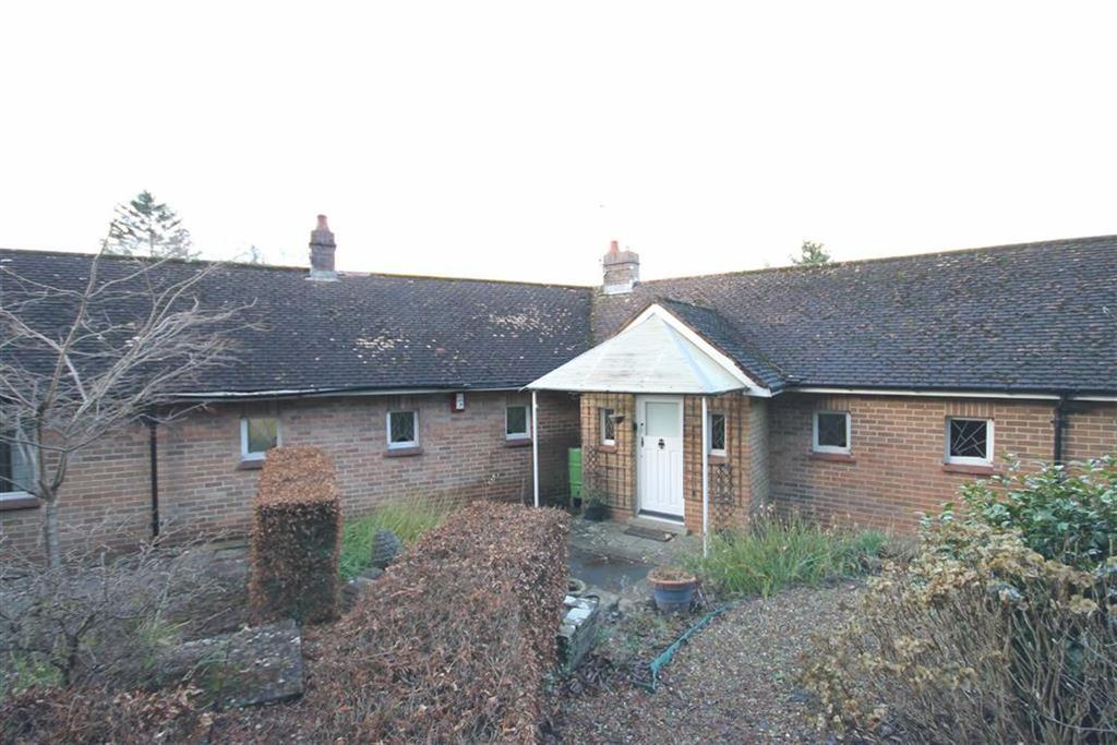 3 Bedrooms Detached Bungalow for sale in Mountain Road, Caerphilly