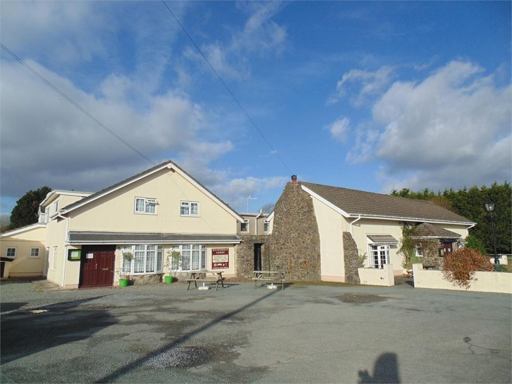 5 Bedrooms Detached House for sale in The Silverdale, Vine Road, Johnston, Haverfordwest, Pembrokeshire