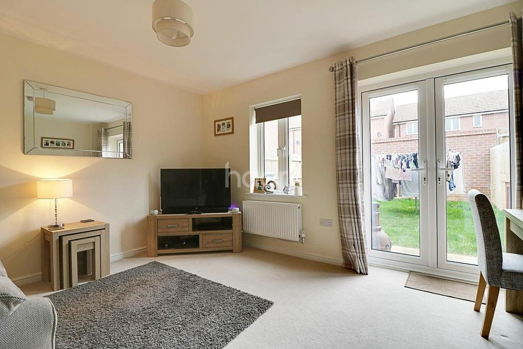 2 Bedrooms Semi Detached House for sale in Shuter Grove, Swindon, Wiltshire