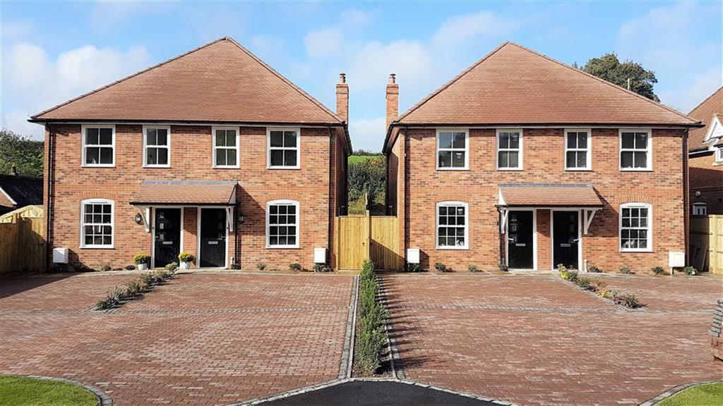 4 Bedrooms Semi Detached House for sale in Pursers Lane, Peaslake, Surrey, GU5