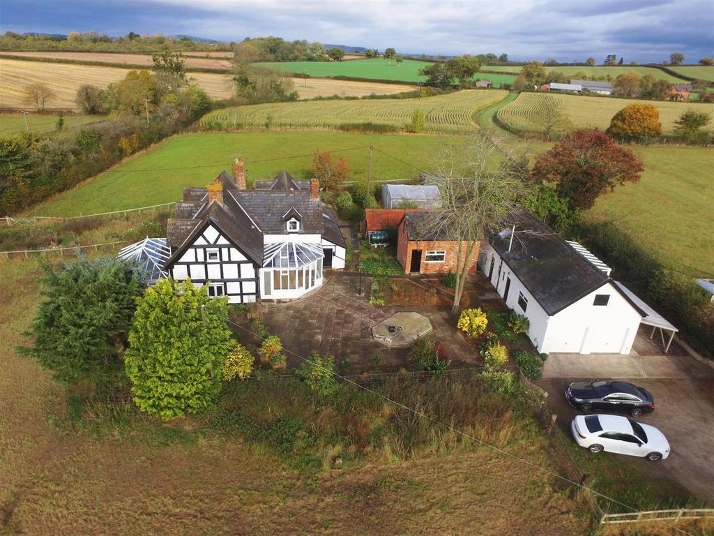 4 Bedrooms Detached House for sale in Breinton, Hereford