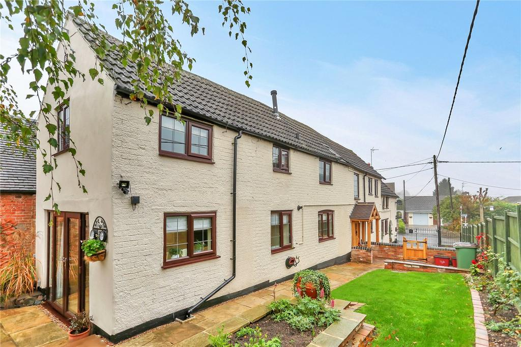 3 Bedrooms Detached House for sale in Main Street, Long Whatton, Loughborough