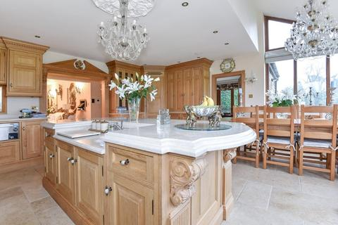 6 bedroom detached bungalow for sale - Whiteway, Stroud