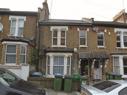 2 Bedrooms Flat for sale in Woodland Terrace, Charlton